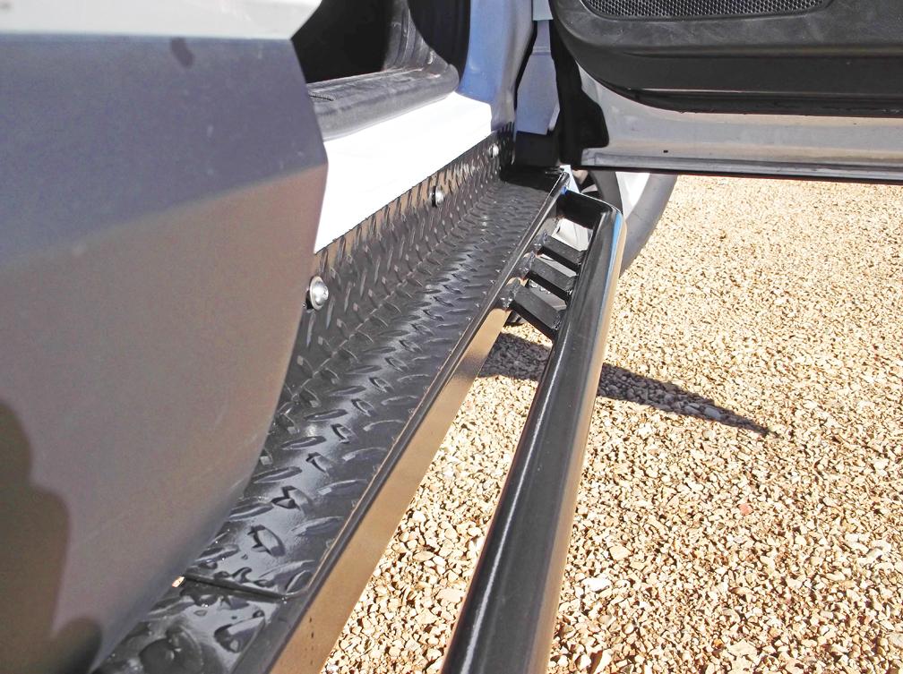 Jeep cherokee rock sliders 2014 jeep cherokee rockrails